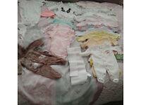 Big bundle of baby clothes (newborn - 3 month)!