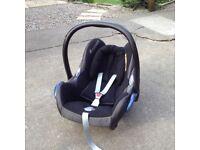 Maxi Cosi car seat (from birth)