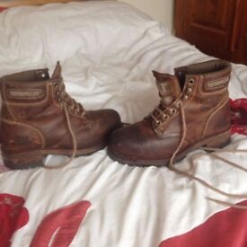 CATERPILLAR BOOTS IN GOOD CONDITION