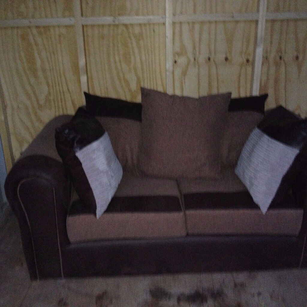 Beautiful sofa bespoke hand made bargain £69 can bring it to your home to view before you buy