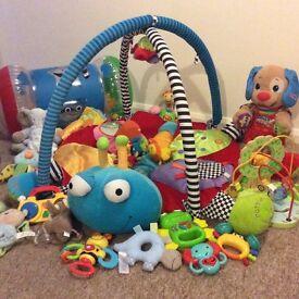 Toy bundle for newborn +