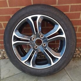 PEUGEOT ALLOY WHEEL AND 195/55/R15 GOODYEAR TYRE IN VERY GOOD CONDITION SUIT 207, 208, 307, 308