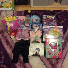 girls stuff up to the age of 2/3