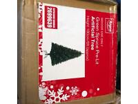 6ft pre-lit Christmas tree