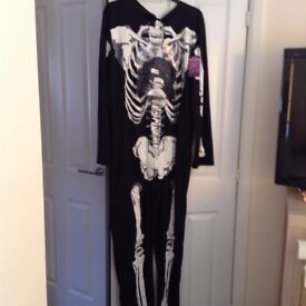 Men's skeleton All in One Size L/XL comes with mask Bargain Price Cost £20 last year never worn