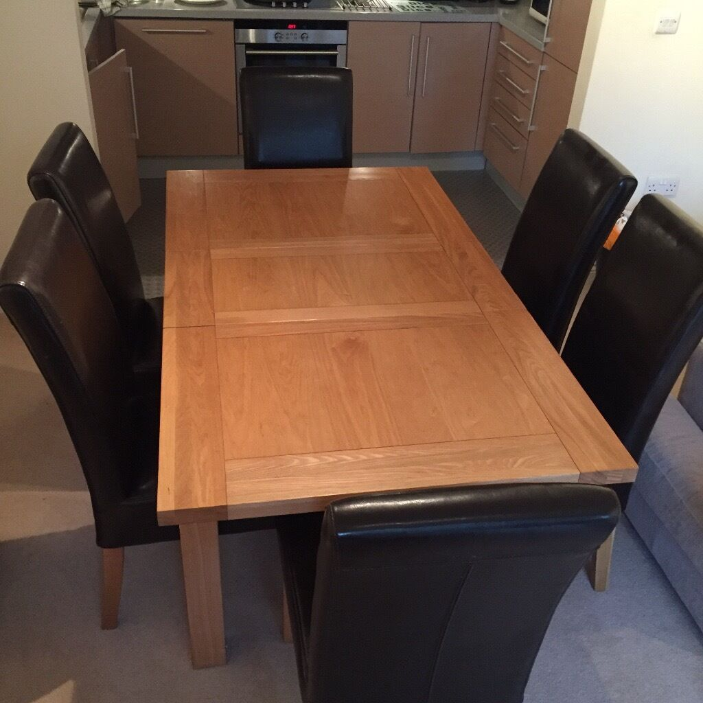 Furniture Village Brighton stunning oak table & 6 brown leather chairs from furniture village