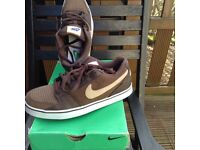 Brand new mens nike trainers size 6, these trainers have not been worn