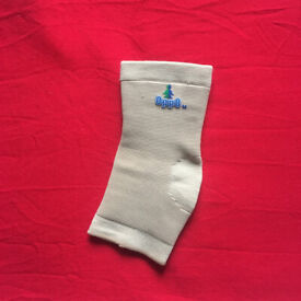 OPPO Elasticated Ankle Support. Size M. £3 ovno. Happy to post.