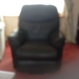 Riser / recliner brown leather chair