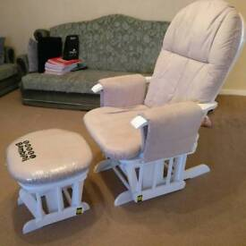 Tutti bambini reclining glider chair and gliding foot stool