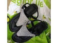 Dimante Flip flops Size 5