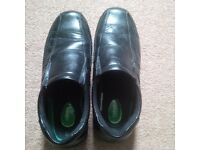 Mens size 10 Hobos shoes