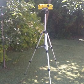 Laser level, with tri-pod.