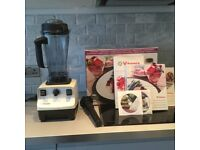 Vitamix total nutrition center blender as new condition. Used only twice !