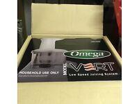 Omega VERT 330HD juicer