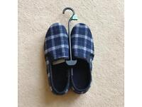 Men's F&F Thinsulate Slippers - Size 9 Eur 27