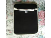 "100% Genuine Griffin Carrying Bag for 9.7"" iPad (3/5/air/air2/pro)"