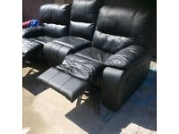 Leather 3 seatter reclyner