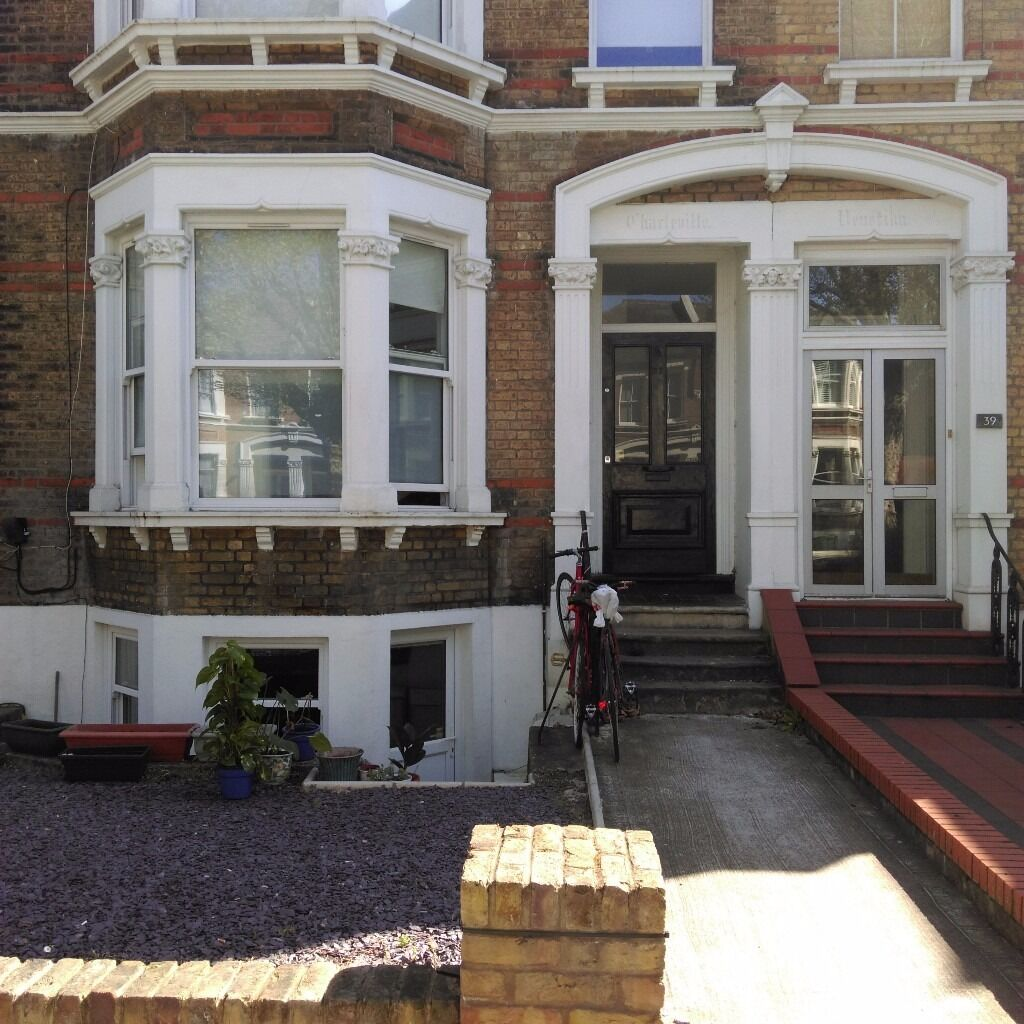 Light and spacious double room, New Cross
