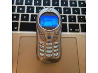 Perfect Motorola C115 CLASSIC RETRO Unlocked Mobile SmartPhone in Silver + Charger + Sim Card