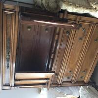 For Sale: Dresser Chest of Drawers