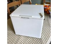 As New Russell Hobbs white 17 litre tabletop cooler