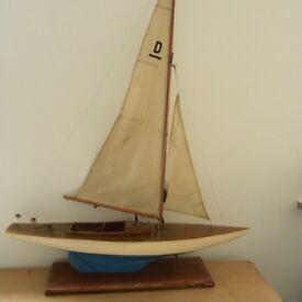 Vintage Pond Yacht , Dragon class model Yaht