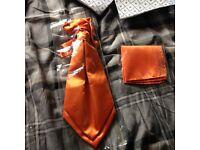 Men's orange cravat and square