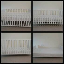 4 in 1 Mothercare Cot Bed & Mattress