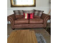 DFS OAKLAND 2 & 3 SEATER SOFA EXCELLENT CONDITION