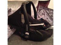 Maxi cosi pebble baby car seat black rain cover included