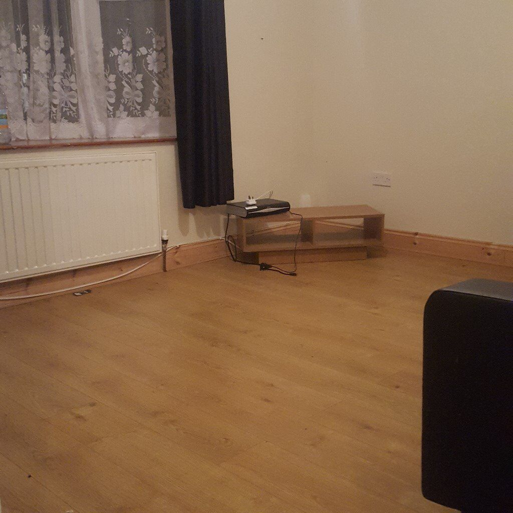 2 NICE LARGE DOUBLE ROOM IN NEW BURY PARK 5 min walking to CENTRAL LINE