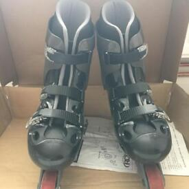 Men's inline skates size 9 with knee & elbow protection pads