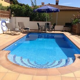 Holiday apartment to rent Almuñécar Spain 1 week still available 6-13 Aug 2018 £400p/w