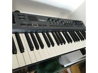 Excellent condition M-Audio Oxygen 49 Midi Keyboard