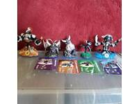 All Swap-Force dark figures (special) with 4 out of 5 cards. Offers accepted.