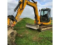 8 ton digger hire with operator