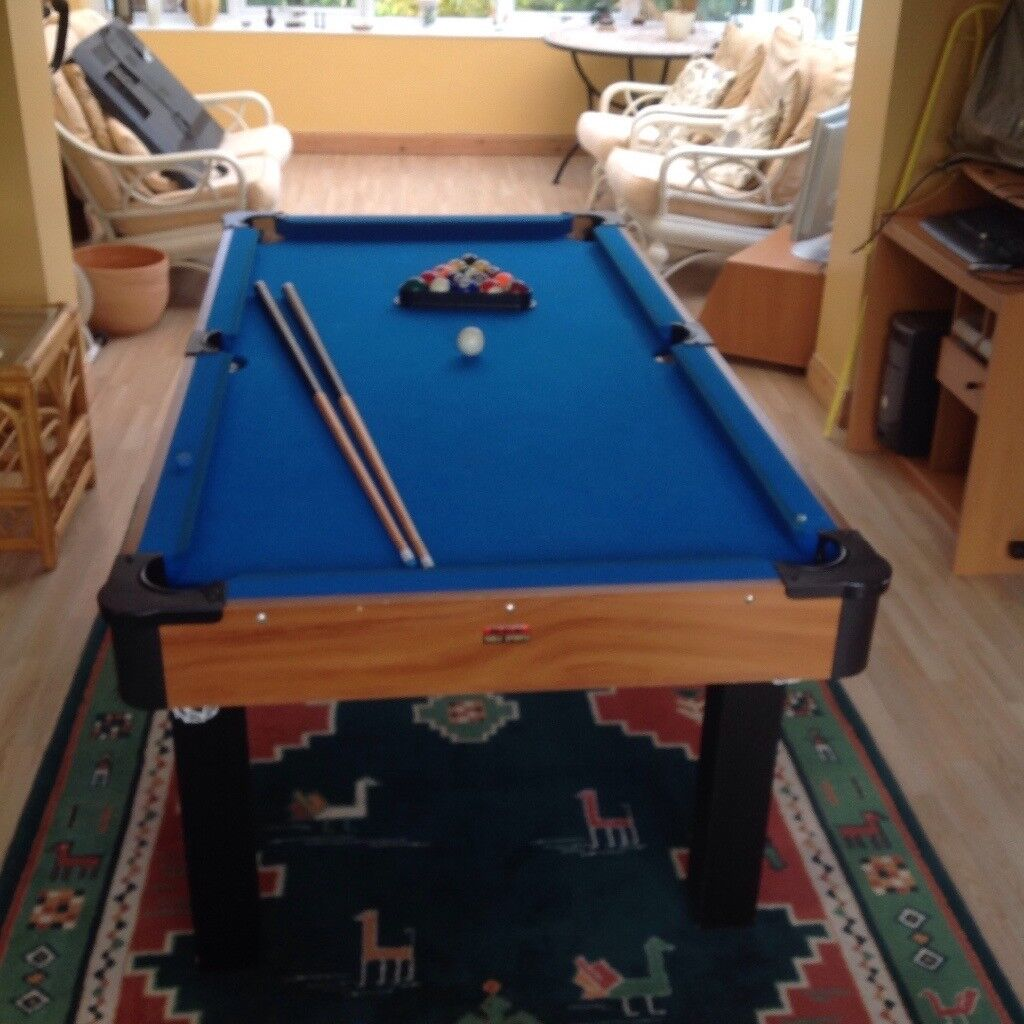 Full Size Pool Table With Balls, Triangle, Cues, Chalk U0026 Brush.
