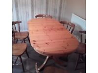 KITCHEN / DINING TABLE AND 6 CHAIRS ( EXTENDING )