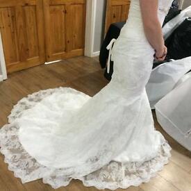 Brand new!! Size 8/10 lace wedding dress