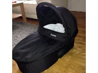 Baby Style Oyster carrycot with raincover