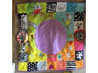 Baby play mat / baby gym