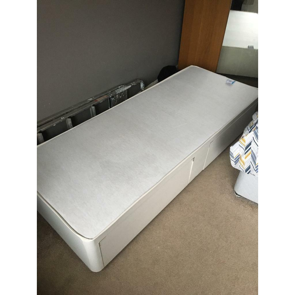 Picture of: Small Single Divan Bed In Nuthall Nottinghamshire Gumtree