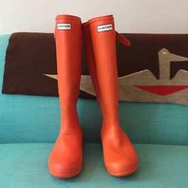 Pair of orange Hunter wellington boots 39/6