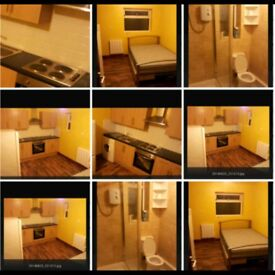Self Contained Double Room CLEAN AND TIDY. 650 INC ALL BILLS. Good transport links to LONDON
