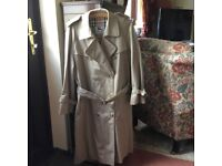 Classic Burberry trench coat for young adult/ small Adult