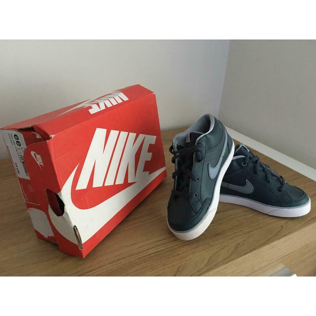 infant size 9 nike trainers