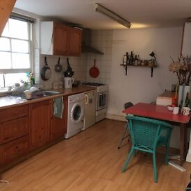Double Room in Beautiful Warehouse Conversion By London Fields