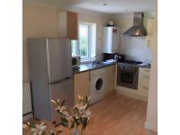 ***Well Presented 2 Bedroom flat to rent in Northwood Hills***