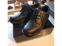 Safety shoes - size 11